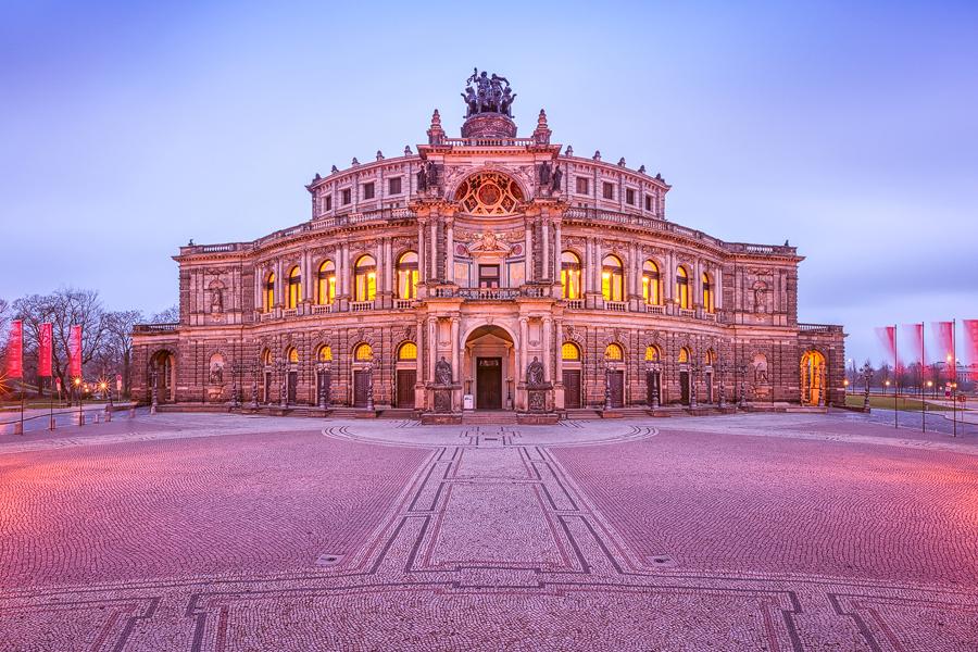 Semperoper am Theaterplatz (Dresden / Sachsen)