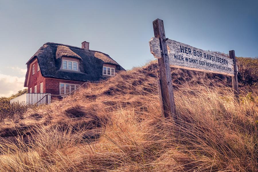 Hier wohnt der Bernsteinschleifer (Henne Strand)