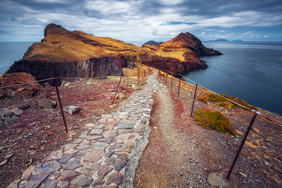 Schmaler Pfad (Ponta de São Lourenço / Madeira)