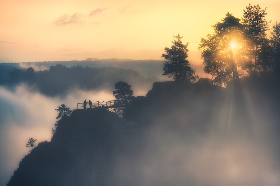 Lichtblick im Nebelmeer (Bastei)