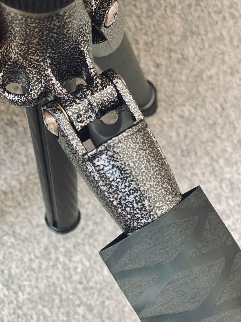 DIY-Schutz für Stativbeine aus Carbon - Obere Kante anliegend